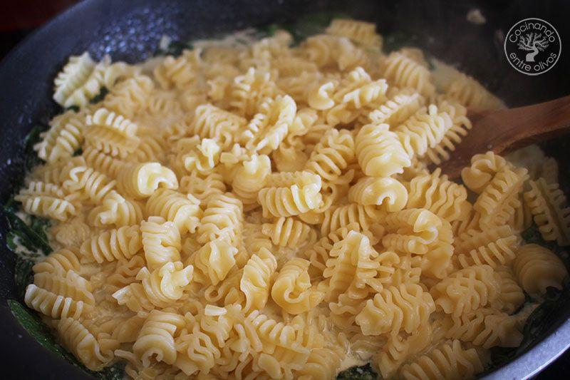 Pasta-con-espinacas-y-queso-azul--(15)