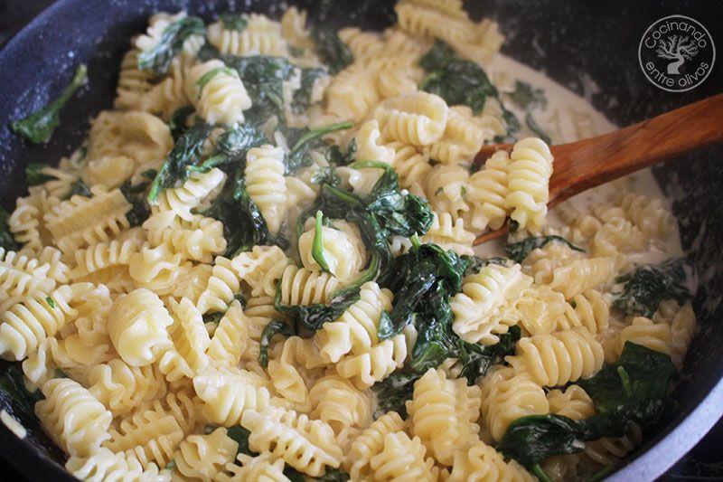 Pasta-con-espinacas-y-queso-azul--(16)