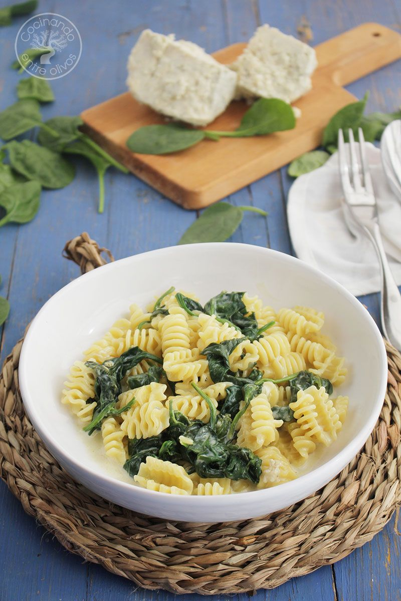 Pasta-con-espinacas-y-queso-azul--(2)