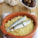 Migas de sémola con sardinas en microondas