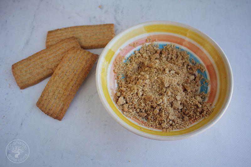 Tarta de queso y frutos rojos en tarro