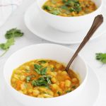 Curry de garbanzos con mango