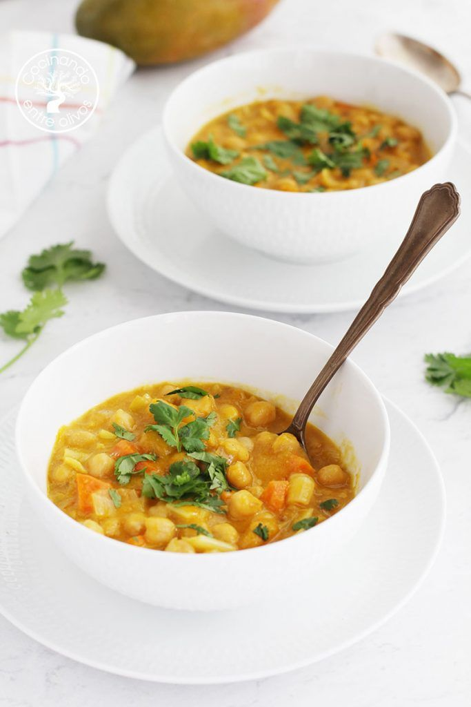 Curry de garbanzos con mango
