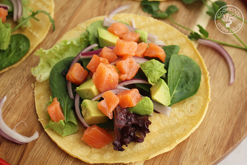 Tacos de salmón ahumado