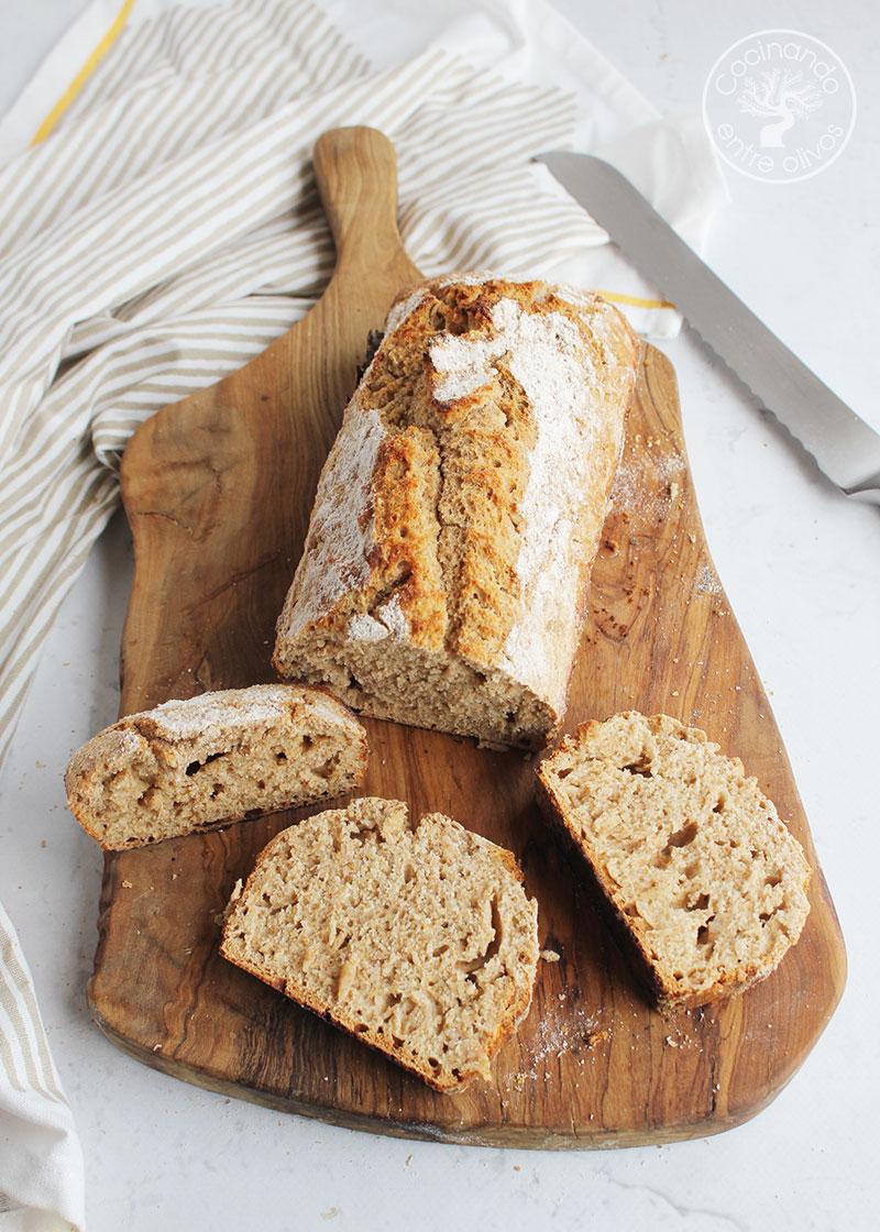 Pan casero sin amasado con levadura quimica
