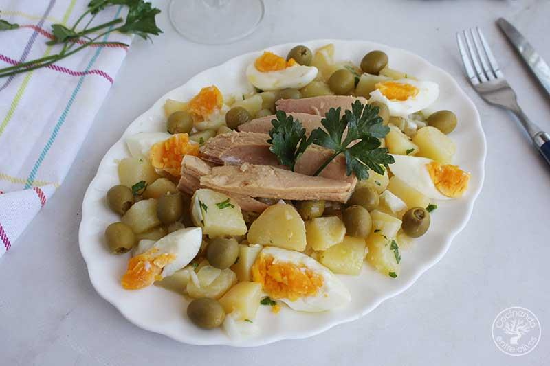 Papas aliñás o patatas aliñadas