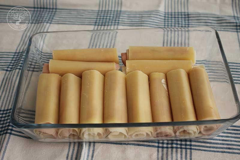 Canelones de jamón york y queso con mayonesa