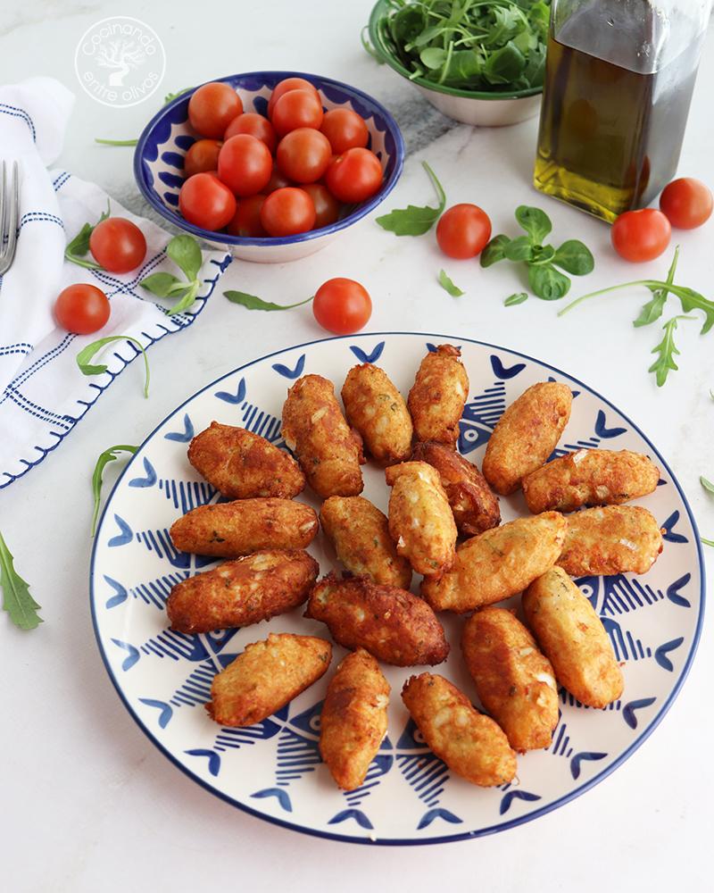Buñuelos De Patata Y Bacalao Típicos De Portugal Cocinando Entre Olivos
