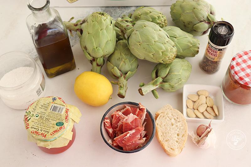 Alcachofas guisadas con jamón y tomate