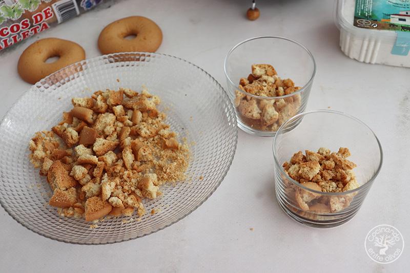 Postre rápido de cerezas y requesón