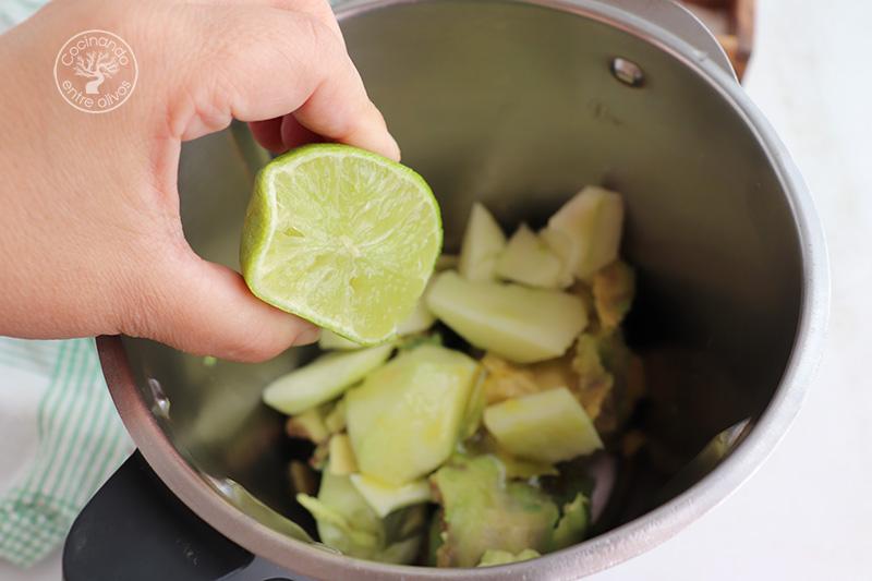 Gazpacho de aguacate, manzana y pepino